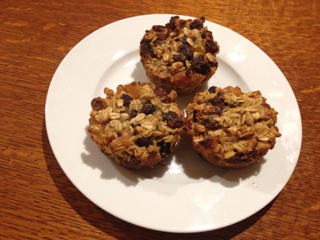 Oat fruit muffins